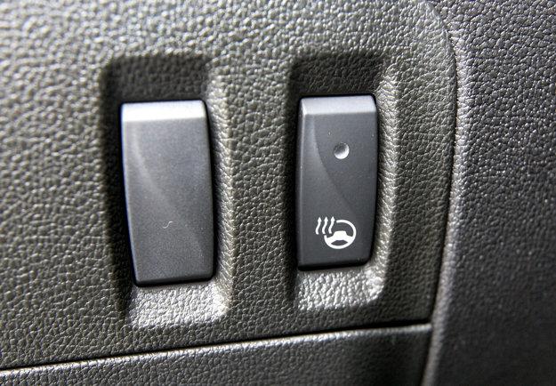 Tlačidlo na aktiváciu vyhrievania volantu