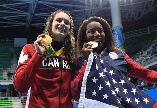 Usporiadatelia museli udeliť dve zlaté medaily.