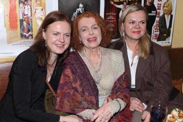 Theodora, Iva, Sabina. Dcéry majú so slávnou mamou skvelý vzťah.