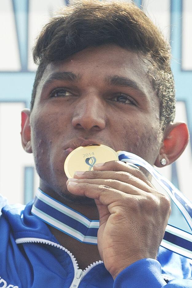 Zlatú medailu a titul Majstra sveta už Queiroz má.