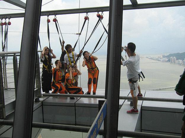 MacauTower ponúka vyhliadku vo výške 288 metrov nad zemou.