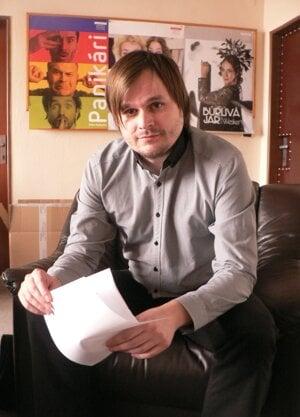 Dramaturg DAB Adam Gold.