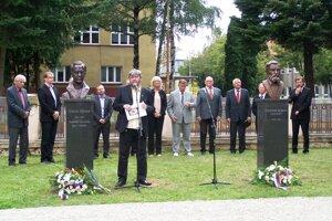 V Martine dnes odhalili busty Vajanskému a Furdekovi.