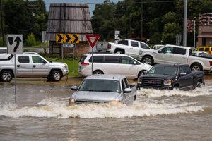 Katastrofy, akými sú rozsiahle louisianské povodne, sa budú zhoršovať priamo úmerne s otepľovaním planéty, varujú vedci.