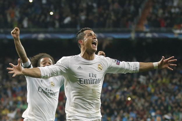 Cristiano Ronaldo by po podpise novej zmuvy zostal v Madride ešte štyri roky.