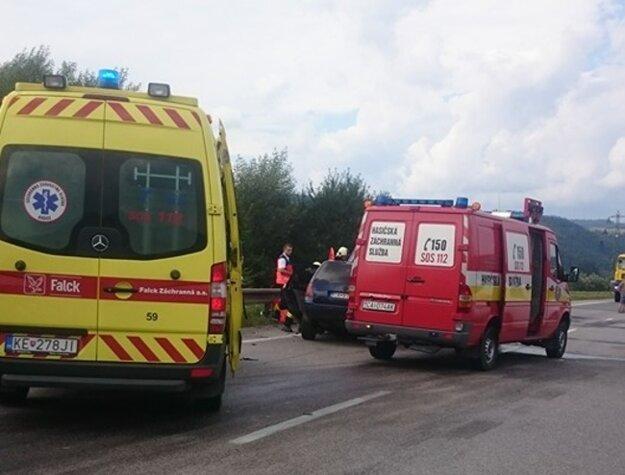 Nehoda na ceste I/11 v Kysuckom Lieskovci.