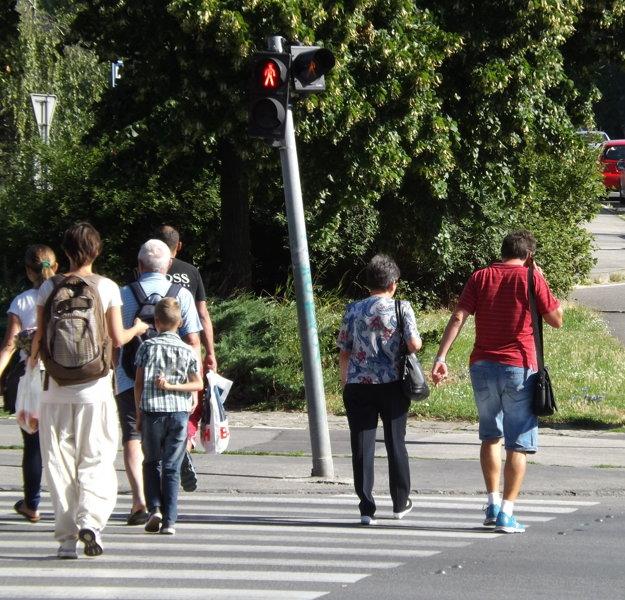 Ľudia sa najviac stažujú na priechod na Štúrovej ulici, ale aj na priechody pred Mlynmi a pred Centrom Nitra.