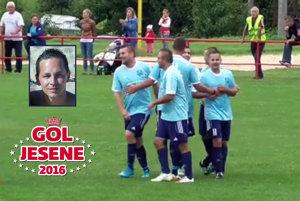 Na ihrisku v Lehote gratulovali zverenci Miloša Konopáska Petrovi Danišovi k parádnemu gólu.