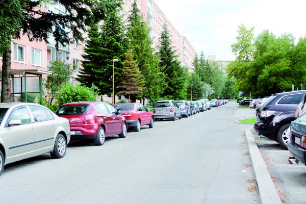 Parkovanie v Starom Meste. Obyvatelia sú na rokovaní poslancov vítaní.