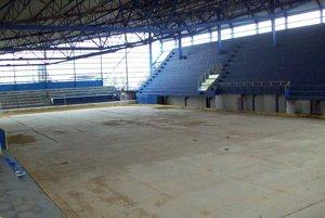 Nedostavaný zimný štadión v Kežmarku je dedičstvom škandalóznej neuskutočnenej deaflympiády.