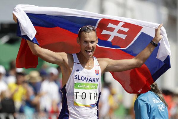 Šťastný Matej Tóth po zisku zaltej medaily v Riu de Janeiro.