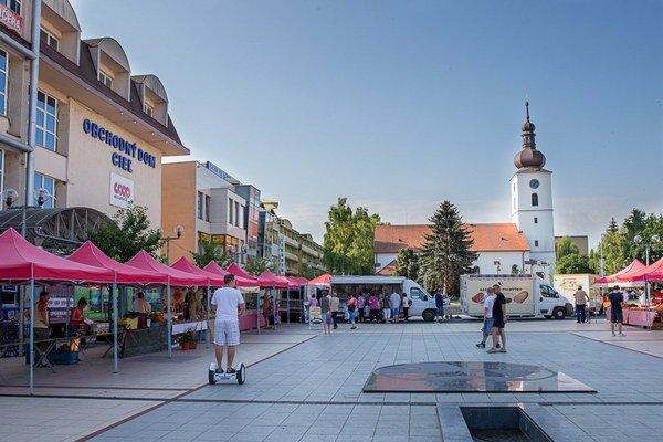 Farmárske trhy v Senici.