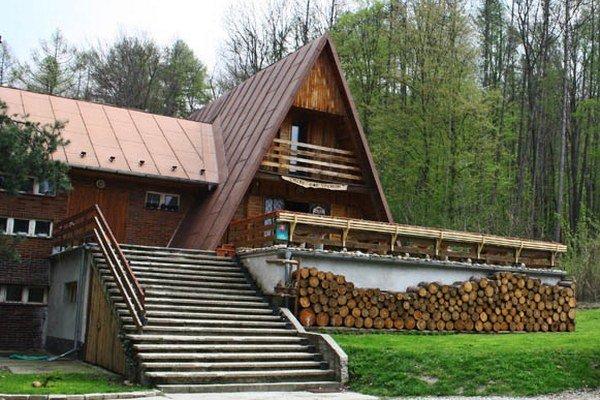 Chata pod vrchom v Borinke.