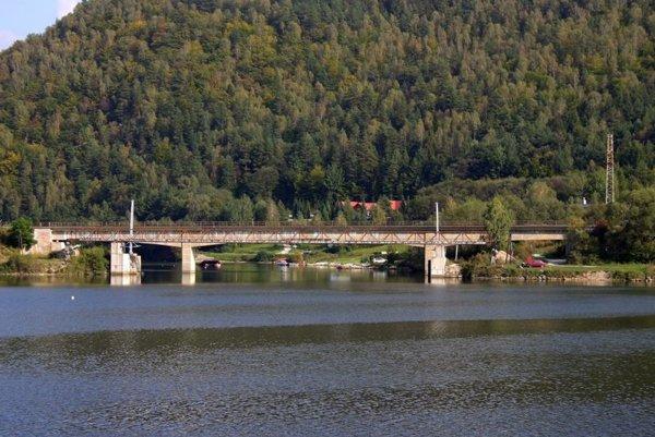 Most je už vynovaný.