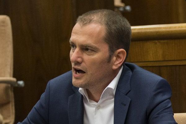 Líder OĽaNO Igor Matovič tvrdí, že aktívna živnosť neznamená automaticky aj aktívne podnikanie.