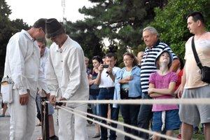 Pletenie rekordného lana v Trebišove.