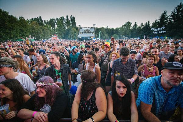 Na Zlatých pieskoch sa koná festival Uprising.