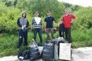 Za rok vyzbierala trenčianska Zelená hliadka 94 vriec odpadkov.