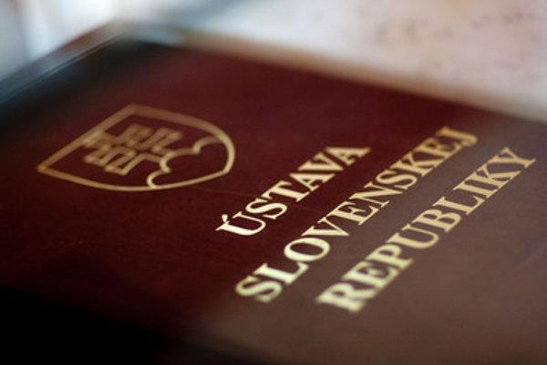 Ústavu SR novelizovali od roku 1992 14 krát.