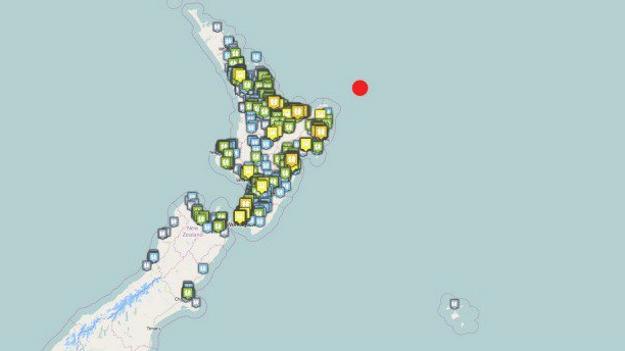 Červenou farbou je vyznačená tsunami aktivita.