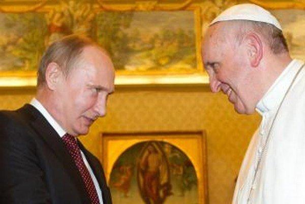 Napäté vzťahy medzi Vatikánom a Kremľom zmenil pád Berlínskeho múru.