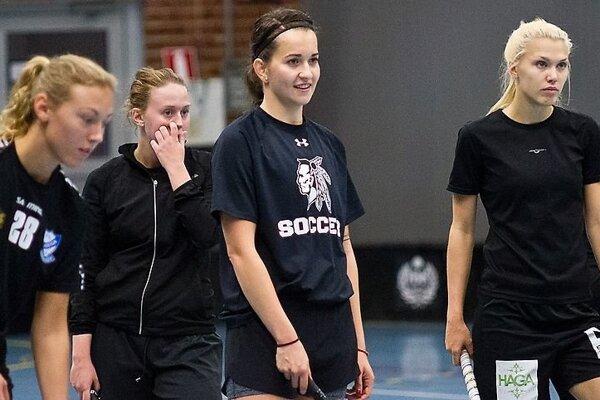 Romana Janegová (v strede) sa už pripravuje so svojím novým tímom.