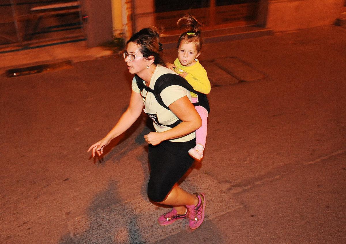 Kuriozita: Košice Night Run zabehla so 14 kilami na chrbte