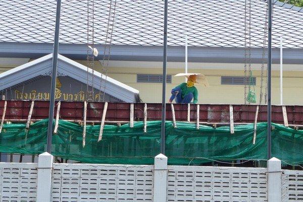 Kambodžania v Thajsku často pracujú na stavbách.