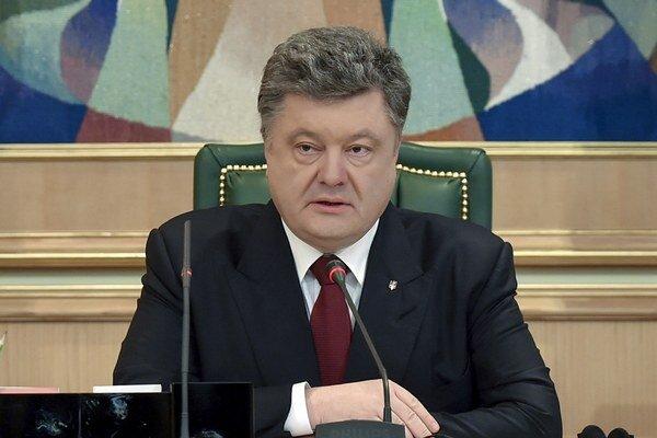 Ukrajinský prezident Petro Porošenko počas predvolebnej kampane sľúbil, že ak voľby vyhrá, firmu Roshen predá.