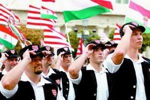 Maďarská garda vznikla v júni 2007 z iniciatívy vtedajšej mimoparlamentnej krajne pravicovej strany Jobbik.