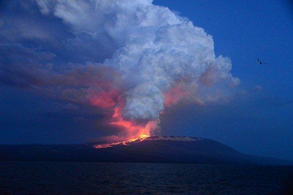V okolí prebudeného vulkánu nežijú ľudia.