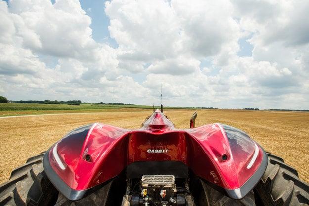 Autonómny traktor budúcnosti kabínu potrebovať nebude