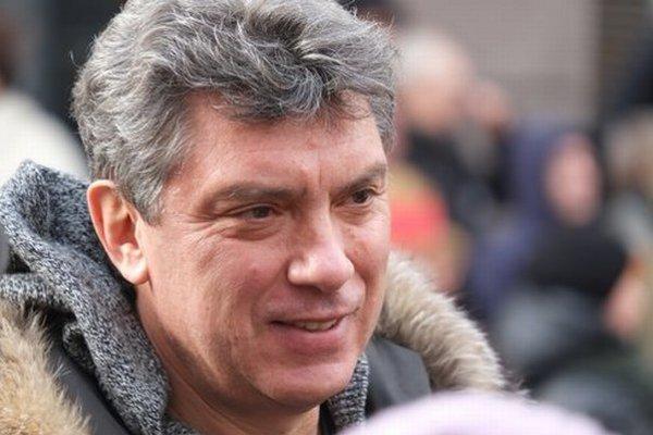 Krátko pred smrťou pracoval na správe, ktorá mala priniesť dôkazy o priamej účasti ruských vojakov na bojoch na východe Ukrajiny.
