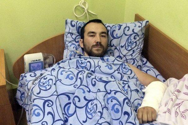 Zranený kapitán Jevgenij Jerofejev z ruských špeciálnych síl  leží vo vojenskej nemocnici v Kyjeve.