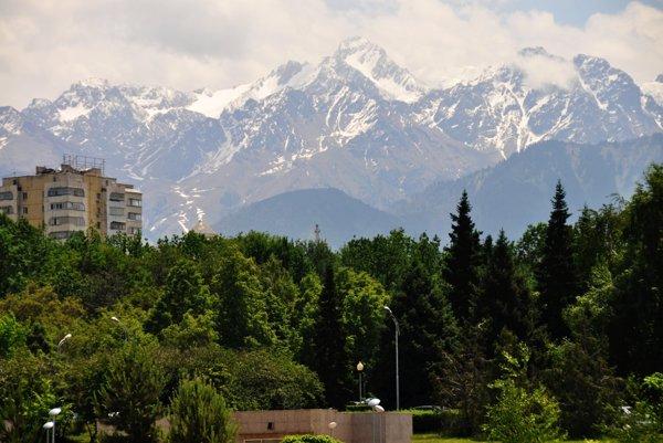 Panoráma hôr nad Almaty.