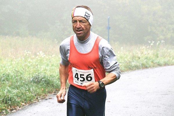 Ján Lovás má vo veku 62 rokov úžasnú kondíciu.