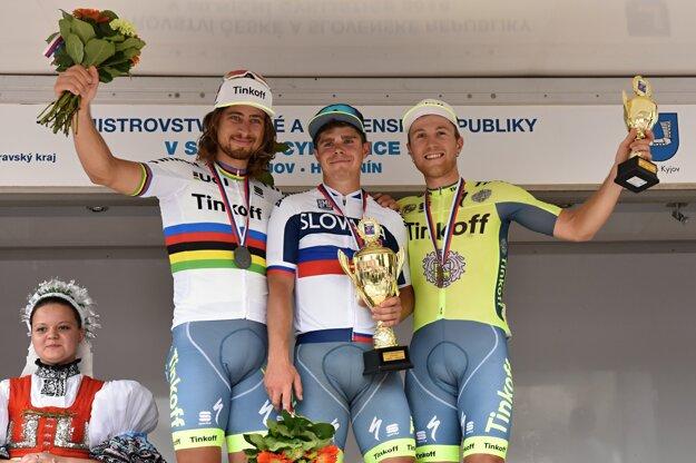 Titul majstra Slovenska v tomto roku získal Juraj Sagan pred bratom Petrom (vľavo) a Michaelom Kolářom. Všetci traja by mali štartovať na ME.