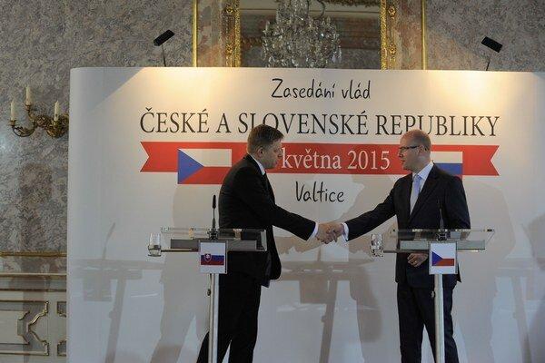Róbert Fico a Bohuslav Sobotka sa stretli na spoločnom rokovaní vlád Česka a Slovenska.
