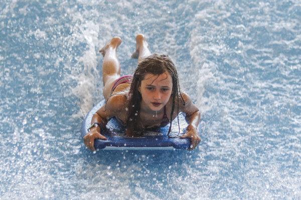 Surfovacie vlny sú nová atrakcia v Aquaparku Tatralandia.