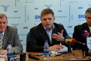 Zľava Vladimír Mečiar, Robert Fico a Ján Slota.