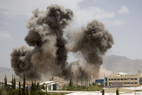 Vzdušná ofenzíva v Jemene si vyžiadala aj obete na civilistoch.