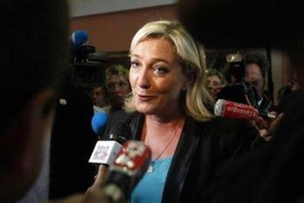 """Jean-Marie Le Pen v utorok vyhlásil, že víťazstvo svojej dcéry v prezidentských voľbách by """"v tejto chvíli"""" považoval za """"škandalózne""""."""