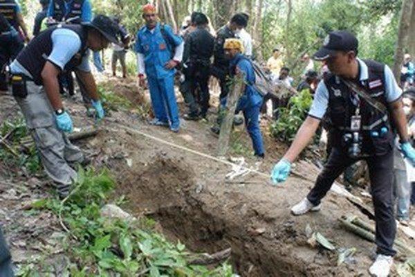 Tábor v pohorí Padang Besat používali na pašovanie ľudí, najmä moslimských Rohingyov.