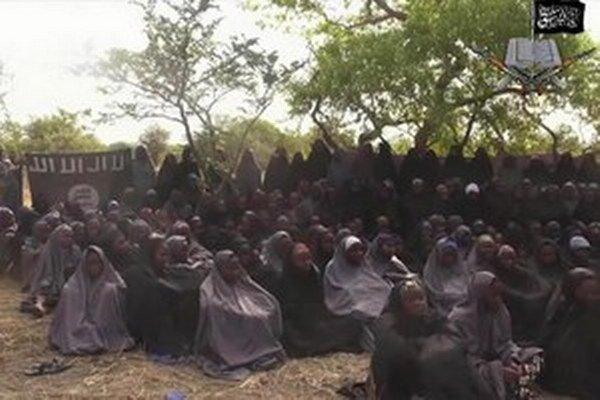 Boko Haram unášala aj predtým ženy a dievčatá a využívala ich ako kuchárky, sexuálne otrokyne a ľudské štíty.