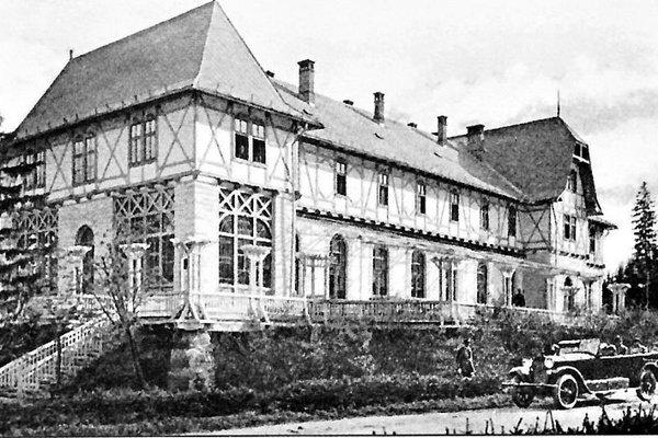 Jedna z dobových fotografií Hotela Lomnica.