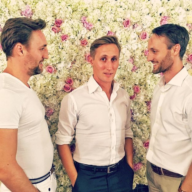 Bratské trio. Matej je najstarší, no bratia ho predbehli, prostredný Ján je už otec a najmladší Tomáš sa ženil tohto roku v júli.