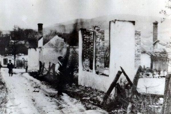 Zhorelo 262 domov.