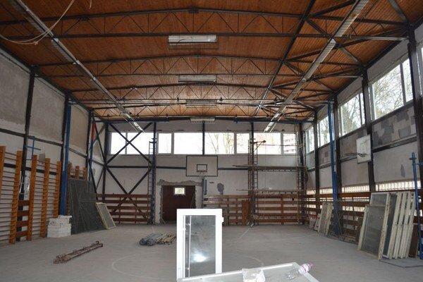 Výstavba športového centra pri ZŠ R. Kaufmana.