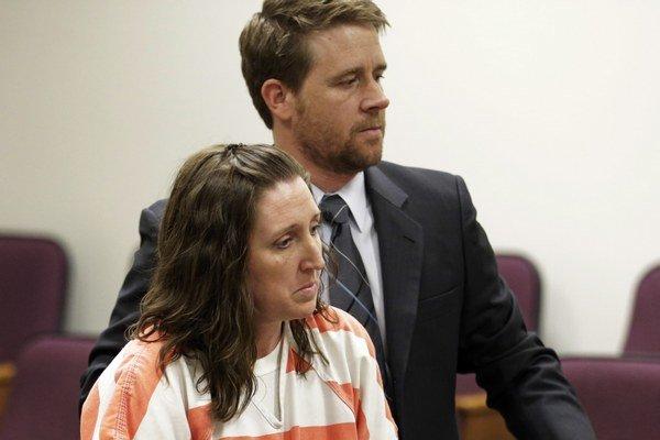 Žena povedala vyšetrovateľom, že bola závislá od metamfetamínu a alkoholu a nedokázala sa starať o viac detí.