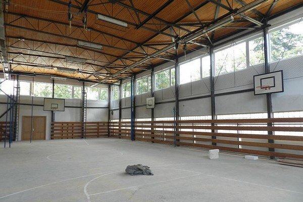 Výstavba športového centra.